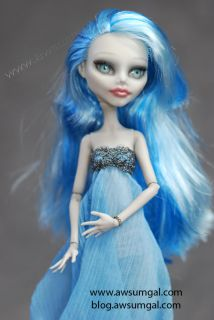 Jules~ ooak Ghoulia Dead Tired Monster High Repaint + Redress Doll by