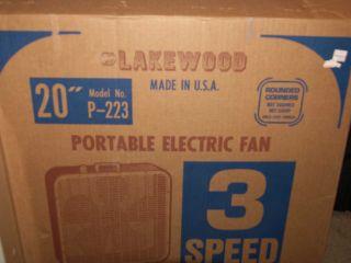 Vintage Retro Lakewood 20 inch Box Fan Beige 3 Speed Works Great
