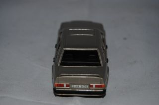 MiniCHAMPS Collectable Mercedes Benz 190E die cast model M1435