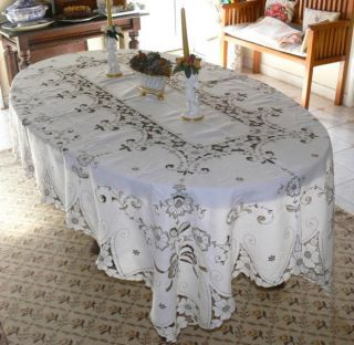 Superb Vintage Madeira Linen Tablecloth w Hand Made Embroidery Cutwork