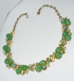 LISNER green molded Glass & Rhinestone NECKLACE costume jewelry signed