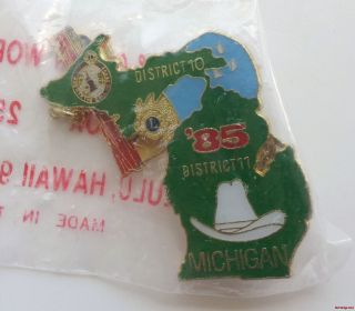 Lions Club Pin Red Dist 10 11 Michigan 1985 Cowboy Hat 59 Cadillac