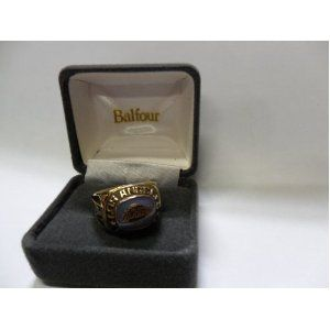 Balfour NBA Los Angeles Lakers Ring Size 8 Gold