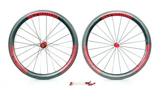 This Stradalli Trebisacce Red Pro is as race ready as they come. Super
