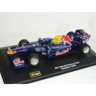 Sebastian Vettel RB7 Red Bull Racing Team Formel 1 Weltmeister 2011 1