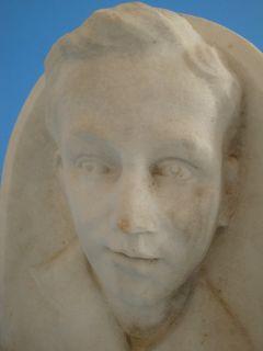 0110P1 108 Art Deco Marmor Relief Kopf Knabe um 1920