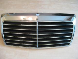 Mercedes Benz W124 Kühlergrill Grill Komplett m. Rahmen