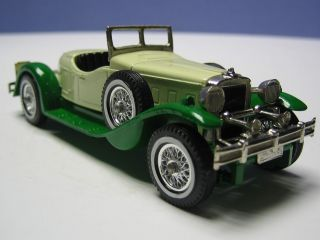 MA 119 Y 14 3 Yesteryear Matchbox Stutz Bearcat grün/cr