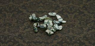 30g Muschel Perlen Perlmutt Nuggets grau 9 17mm sb134