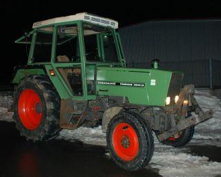 Fendt 304 LS Schlepper 1.Hand, 5000 Bstd. Fronthydraulik, 40km/h