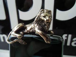 ZIPPO FEUERZEUG GOLDEN LION LOWE LIMITED EDITION 381 500 im RahmenNEU