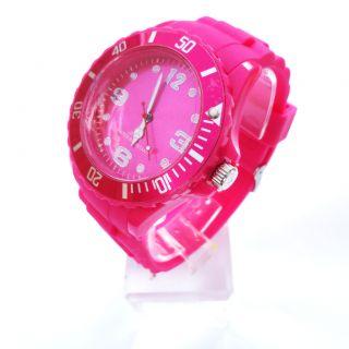 Middle size New fashion silicone men lady kid sport quartz jelly gel