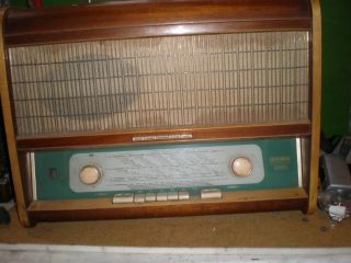Sachsenwerk Olympia 571 W/P   Röhrenradio mit Plattenspieler++