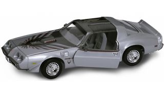 Pontiac Trans Am 1979 silber 118 Yat Ming