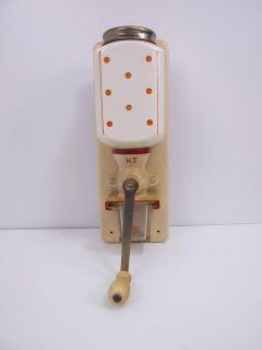 679. Wandkaffeemühle ARMIN um 1930 original Farben Firmenstempel
