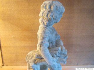 Steinfigur Skulptur Junge mit Holz Mann mit Patina 49,5cm