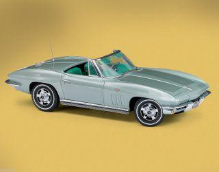Franklin Mint 1966 Corvette Sting Ray Fiberglass Diecast Model Car 1