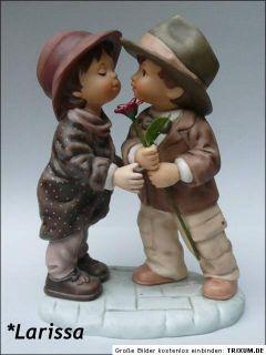 Goebel Figur   Kim Anderson   Der erste Kuss