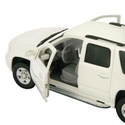 Chevrolet Suburban White Scale Die cast Model Car