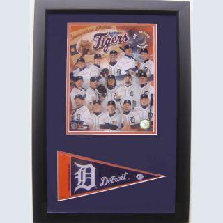 Detroit Tigers 2007 Team Photo w/ Mini Pennant
