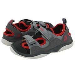 Reef Kids Lil Trekker Boys (Infant/Toddler/Youth) Dark Grey/Red