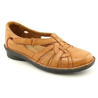 Clarks Womens Nikki Common Leather Casual Shoes