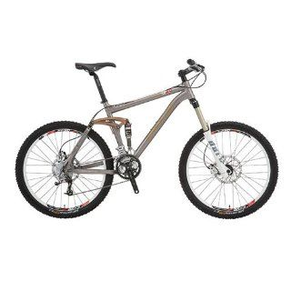 2010 Fuji Thrill LT 2.0 All Mountain Bike 26in 9 spd 150mm