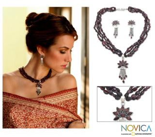 Sterling Silver Daisy Passion Garnet Jewelry Set (India)