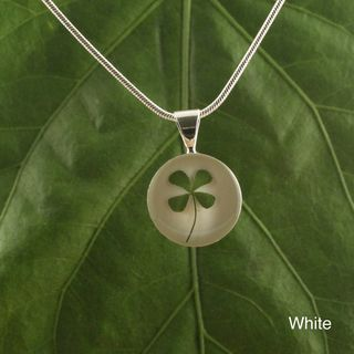 Four Leaf Clover Round Pendant (Mexico)
