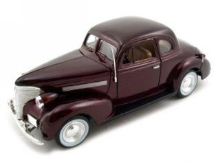 1939 Chevrolet Coupe Diecast Car Model 1/24 Burgundy