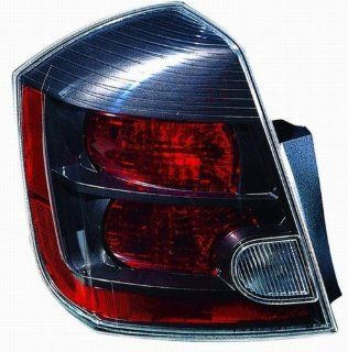 Nissan Sentra 2.5L Replacement Tail Light Assembly   Driver Side