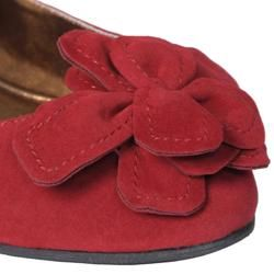 Journee Collection Womens Jump 10 Bow Accent Faux Suede Flats