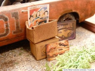 Dodge Charger General Lee Bj.1969   Barn Find Diorama in 1:18 Scale 1